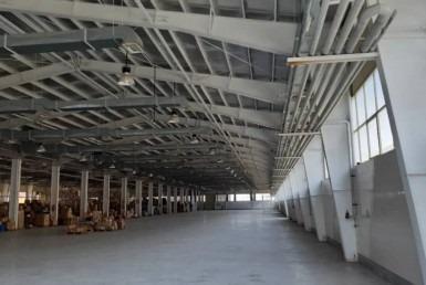 کارخانه واقع در شهرک صنعتی کاوه (بزرگترین و مدرنترین شهرک صنعتی )